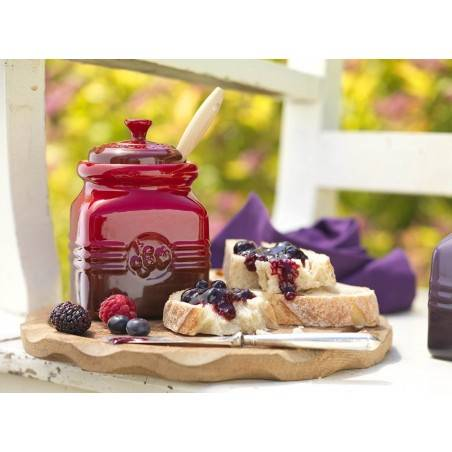 Le Creuset Stoneware Berry Jam Jar with Silicone Spreader - Mimocook