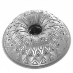 Forma Stained Glass Bundt Pan da Nordic Ware - Mimocook