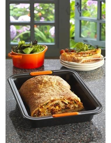 Le Creuset Toughened Non-Stick Bakeware Rectangular Cake Tin - 28 cm - Mimocook