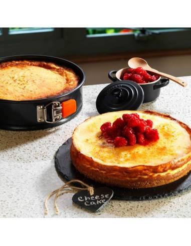 Le Creuset Toughened Non-Stick Bakeware Springform Round Cake Tin - 26 cm - Mimocook