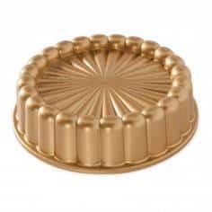 Forma Charlotte Cake Pan da Nordic Ware - Mimocook